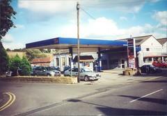 British Benzol, B&M Motors, Amersham, Buckinghamshire, October 2000