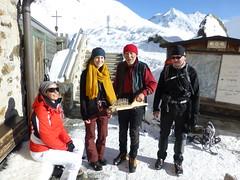 Eine Runde Schnaps für die Schneeschuhwanderer