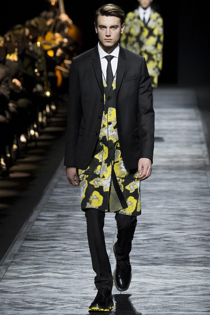 FW15 Paris Dior Homme043_Eduard Badaluta(VOGUE)