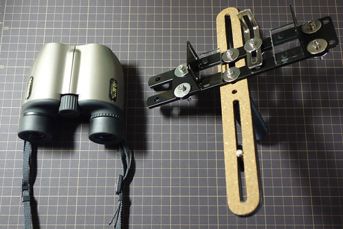 camera-binoculars bracket_2 自作ブラケットのと双眼鏡の写真。