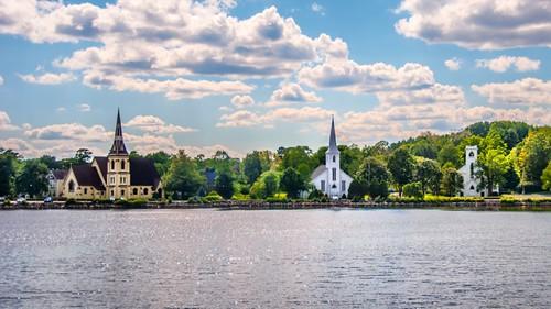 3 churches mahone bay