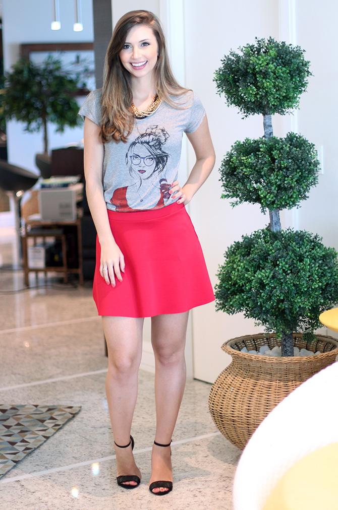 01-look do dia saia vermelha e t-shirt la mandinne blog sempre glamour