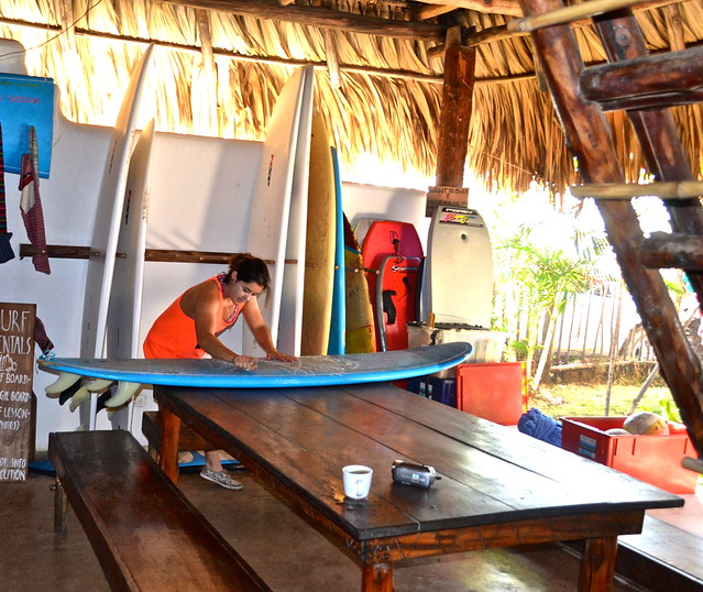surfing - paredon surf house