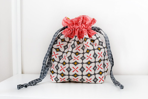 Drawstring Bag Add-on Zipper Pouch Tutorial - In Color Order