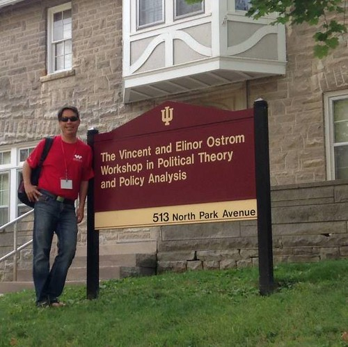 Raul Pacheco-Vega outside Ostrom Workshop
