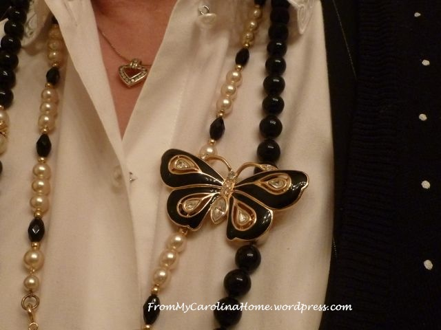 Necklace pin 2