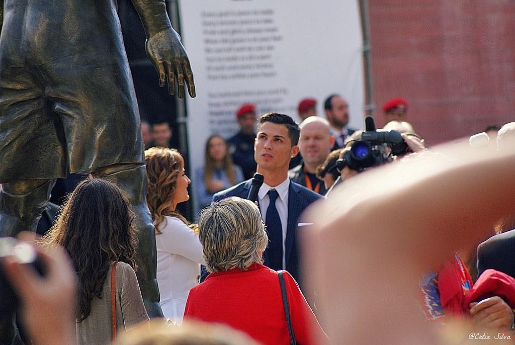 Estátua Cristiano Ronaldo Madeira (6)