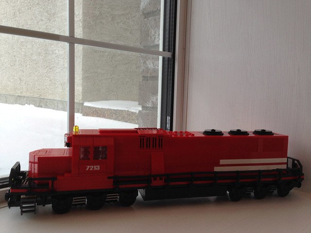 Latest train MOC 15735873200_14fd7167f6_z