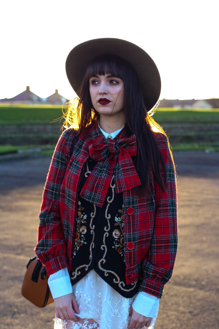 winter outfit, red lip, uk fashion, aw14, tartan jacket, wide brim fedora, lime crime wicked velevtines matte deep red lip