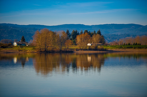 reflection water vancouver barn river washington unitedstates sunny columbiariver wimter