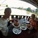 Comiendo junto al rio Phraya
