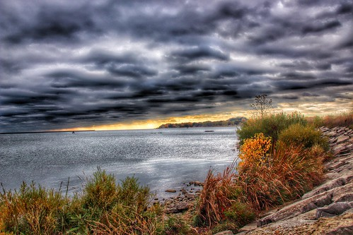 travel sunset sky lake ontario canada macro clouds port canon lens rebel canal photo lakeerie ships dramatic sigma tourist greatlakes welland region hdr attraction sl1 on eriecounty colborne portcolborne niagaracounty 18250mm onasill