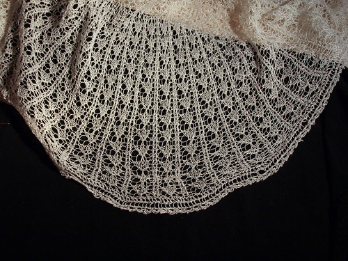 Fixing lace shawl (IV)