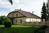 Budynek szkoły parafialnej ks. Piramowicza w Kurowie od północnego-zachodu