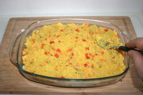 52 - Mit restlicher Polenta abschließen / Finish with polenta