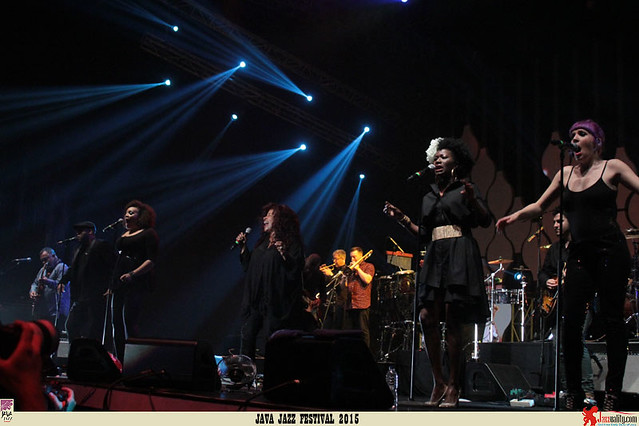 Java Jazz Festival 2015 Day 2 - Incognito - ChakaKhan (2)
