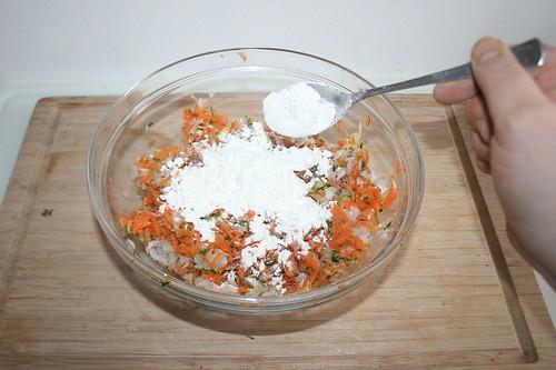 31 - Mehl hinzufügen / Add flour