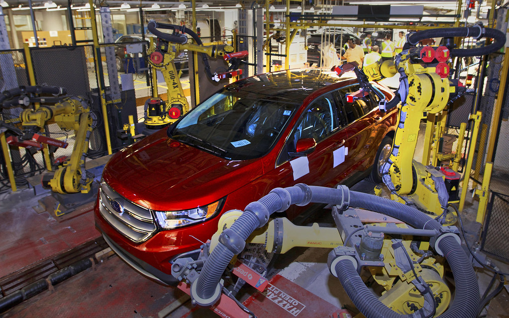 Production of the all-new 2015 Ford Edge officially kicks off with 400 new employees