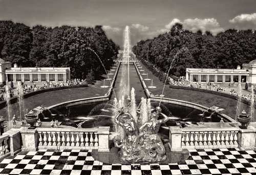 sea sky bw water fountain monochrome k statue bronze silver garden gold mono view russia icon bn silvery cascade luxury peterhof sigth tzar silverplated