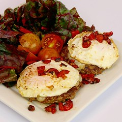 Pepper jack cheese burgers with eggs, chard, peppers, and tomato. These eggs, peppers, and tomatoes were delivered straight from the farm to my doorstep thanks to Tranco Farms Gardens!  #egg #eggs #cheeseburger #cheeseseburgers #burgers #tomato #pepperjac