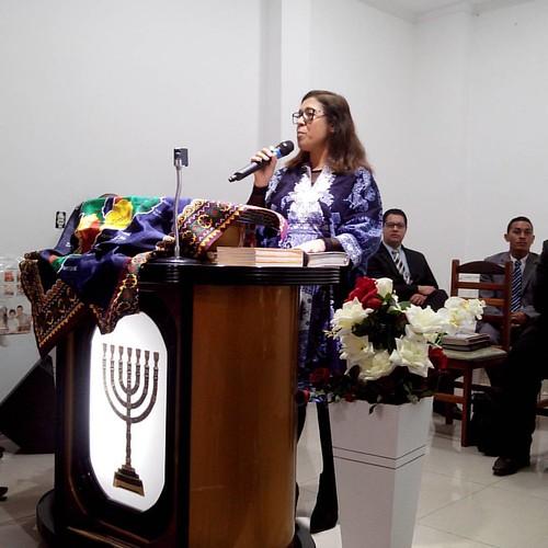 PRA. EDVANIA MINISTRANDO MISSÕES NA AD PANAMBY EM CAMPO LIMPO PAULISTA SP 14/08/2016