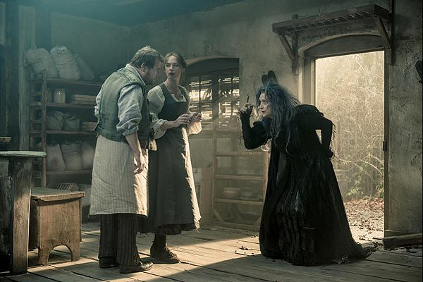 James Corden, Emily Blunt and Meryl Streep add some twisted charm to the moderately entertaining INTO THE WOODS.