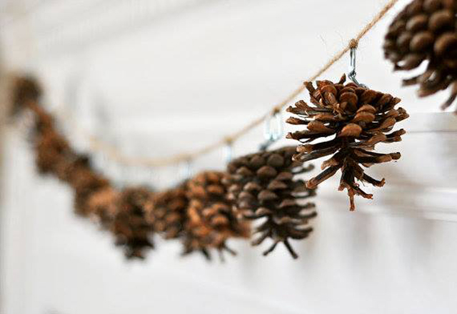 pinecone-garland-2