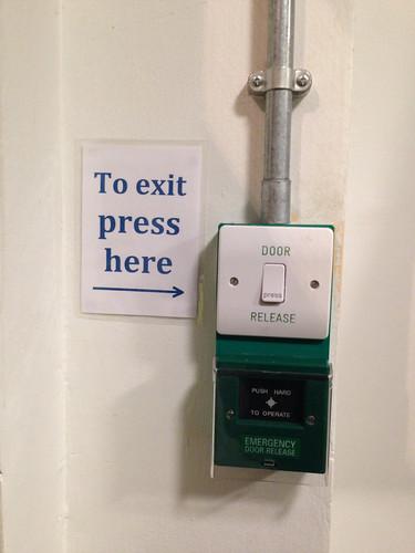 2015 02 26 door release button