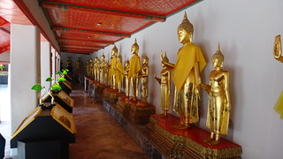 Lots of Buddhas at Wat Pho