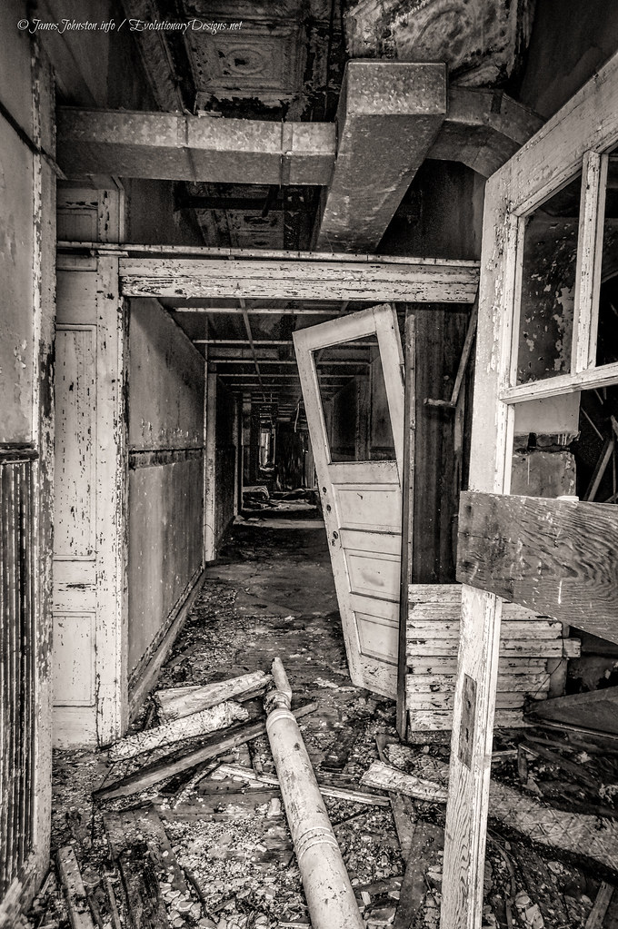The Abanddoned Mary Allen Seminary in Crockett, Texas