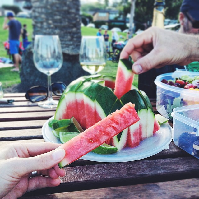 Remember my watermelon video from a while back? If you leave the rind on but cut it the same way it leaves a little grip with no risk of rind in your ears to get that last bite ???? (giving this rain the middle finger with #latergram photos of sunny pic