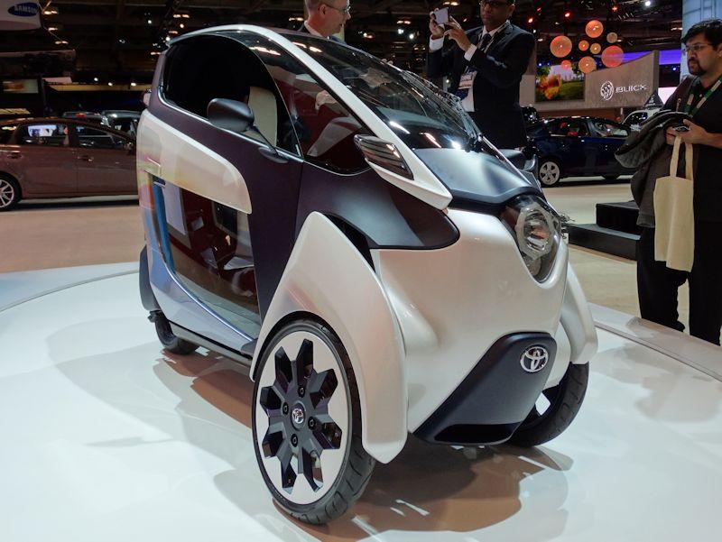 Toyota i-Road at 2015 CIAS