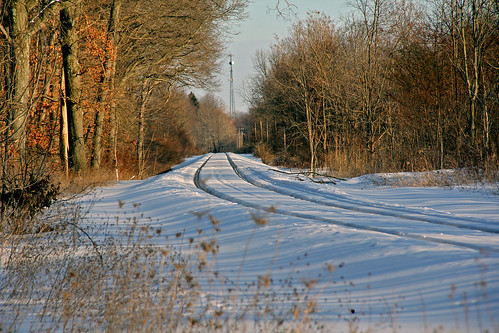 winter snow railroadtracks erielackawanna winterphotography latedaylighting portagecountyohio erierailroad railroadtracksinsnow winterontherailroad winterandrailroads latedaylightphotographs winterrailroadphotography bradylakeohio