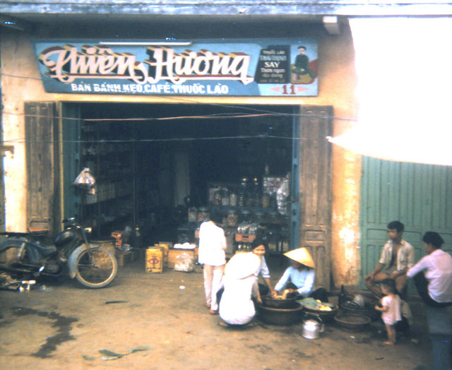 VIETNAM 1970 - Photo by scoutdog70 - Restaurant, downtown Bong Son