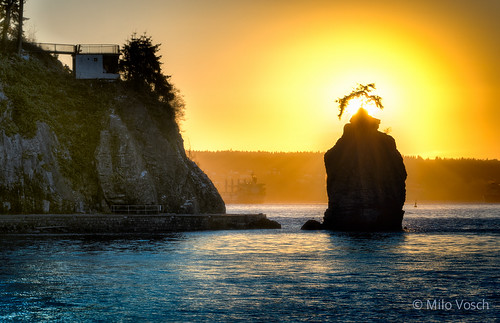 sunset vancouver nikon bc britishcolumbia seawall kitsilano englishbay stanleypark yvr legend seastack d800 markdonovan milovosch swishrock d5photocom d5photo