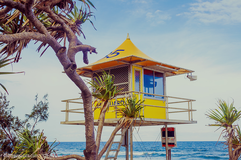 Surfers Paradise beach lifeguard hut 35