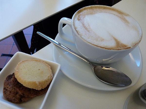 un dernier cappuccino