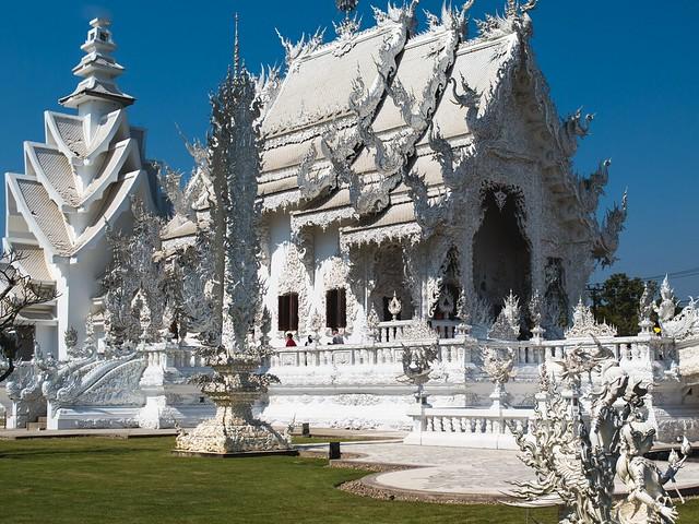 Chiang Rai White temple via TinyBlackBird.com