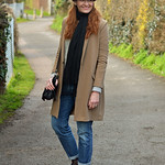 Long line camel blazer, boyfriend jeans, leopard trilby, black slip on sneakers