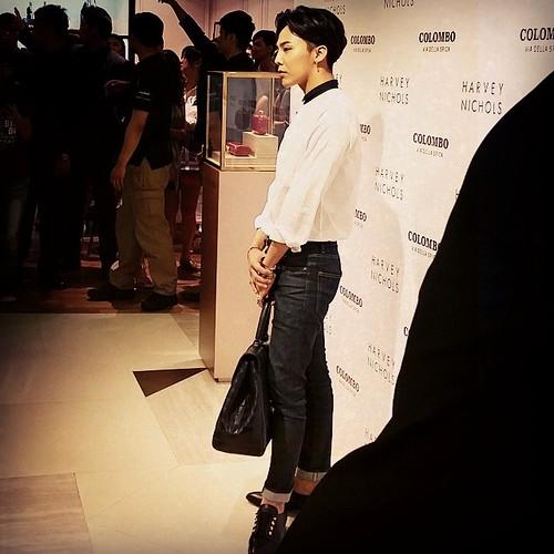 G-Dragon_HarveyNichols-COLOMBO_VIA_DELLA_SPIGA-HongKong-20140806 (43)