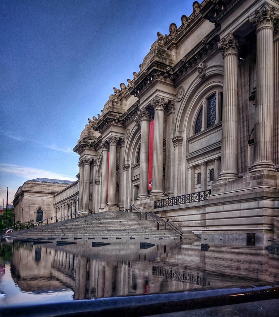 Waiting Fiamma At The Met  #NewYork #nyc #Morning #Day #travelgram #travel #sky #Photo #photography #Museum #architecture #archilovers #colorful #bluesky #reflection #beautiful #iloveny #ilovenyc #newyorkphoto #instacool #instanewyork #mynyc #bigapple #th