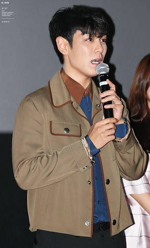TOP-HQs-StageGreeting-Day2-20140907(2)
