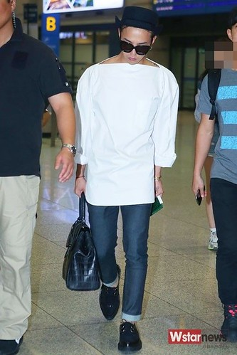 GDragon-IncheonAirport-backfromHongKong_20140806 (15)