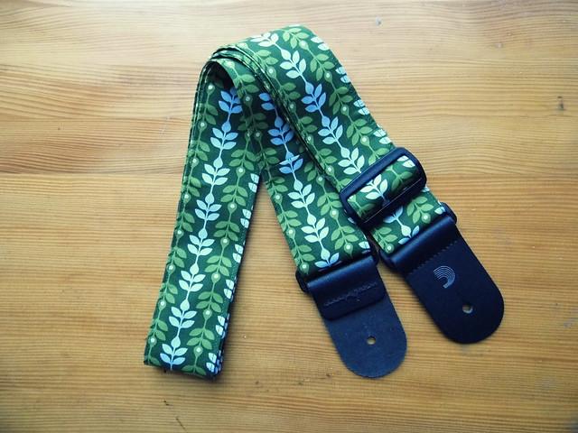 Leaf Guitar Strap1