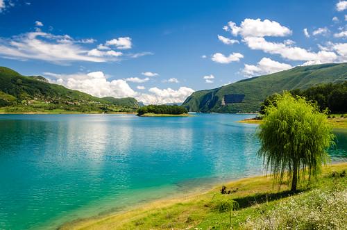 blue trees summer sky lake tree green nature water clouds bosnia herzegovina balkans polarizer rama hercegovina bosna jezero bosniaandherzegovina bosnaihercegovina balkanpeninsula ramsko ramaprozor