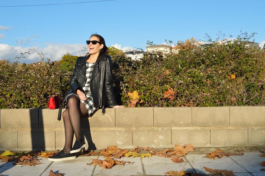 lara-vazquez-mad-lula-style-white-black-dress