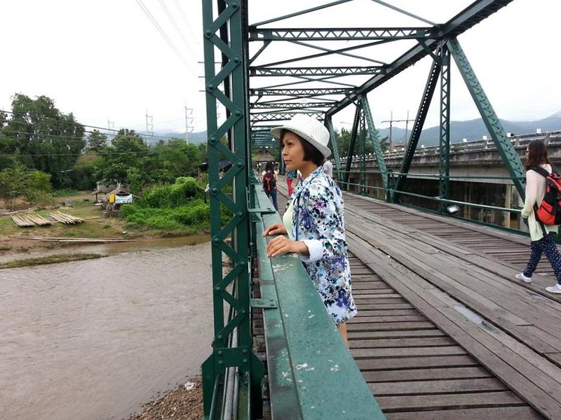 rebecca saw - memorial bridge - chiangmai 1