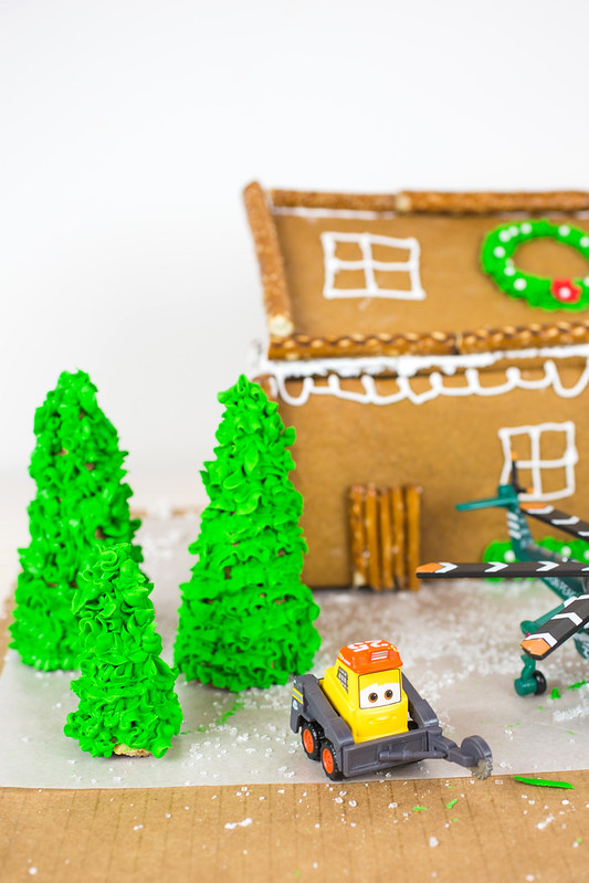 Planes Fire and Rescue Gingerbread House-3