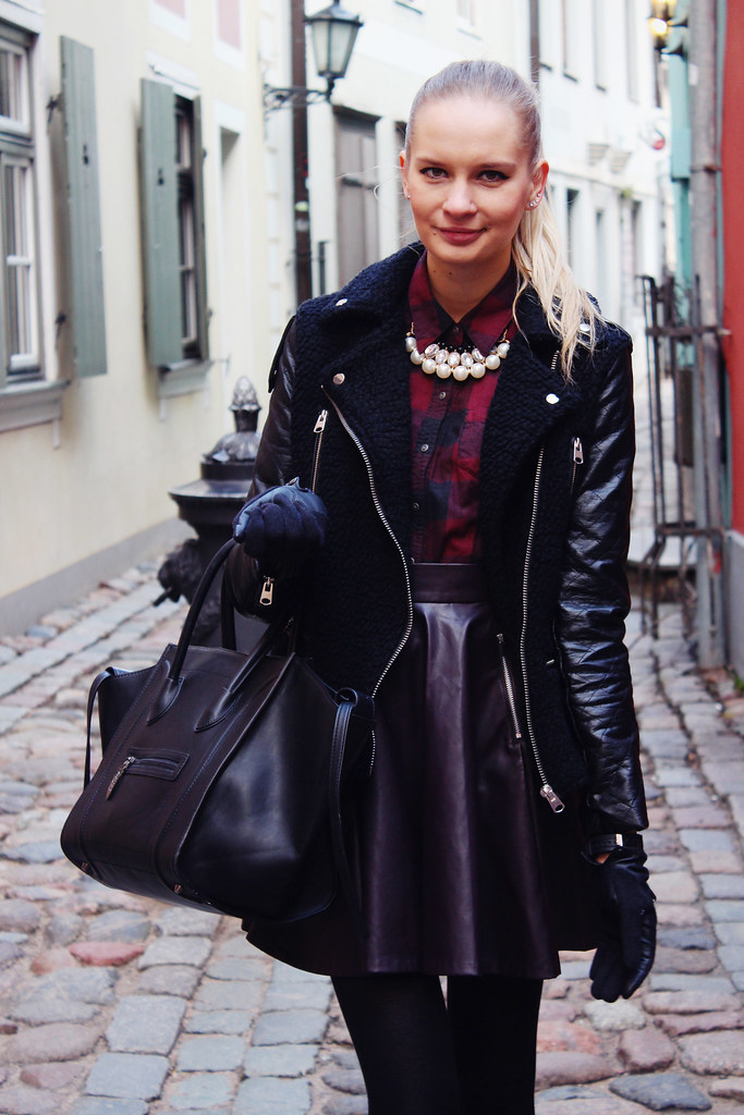 how-to-style-leather-skirt