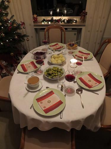 Tisch am 1. Weihnachtstag